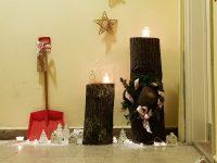Karácsonyi fatörzs dekoráció